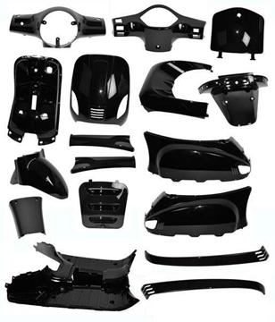 Afbeeldingen van Plaatwerk, Kappenset geheel compleet glans zwart voor AGM VX50, BTC Riva en vespelini