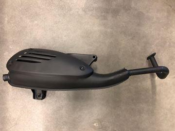Afbeeldingen van Uitlaat zwart voor model VX50 vespa look a like met een lange achteras